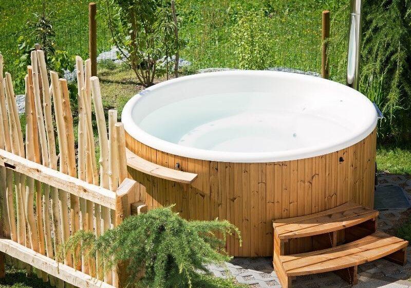 Whirlpool für´s Eigenheim - was sollte man beachten und was kostet die eigene Wellness Oase?